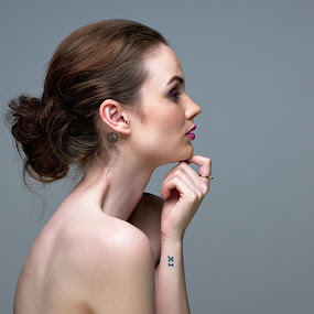 Headshot by Dunstan Vavasour - People Portraits of Women ( studio, headshot, female, beauty, profile,  )