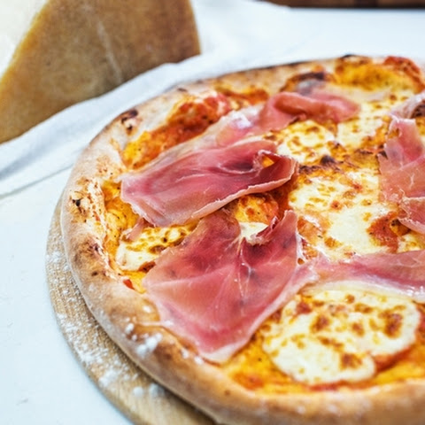 Home Pizza With Ham