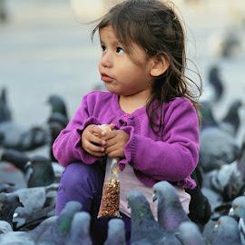 Feeding by Tomasz Budziak - Babies & Children Child Portraits ( peru, feeding, child portrait, portrait, city )