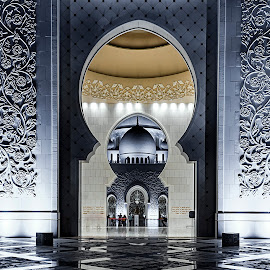 Sheikh Zayed Mosque by Gary Stanley - Buildings & Architecture Places of Worship ( moorish architecture, night photography, mosque, mughal architecture, sheikh zayed grand mosque. mughal architecture, abu dhabi, nikon d810, united arab emirates )