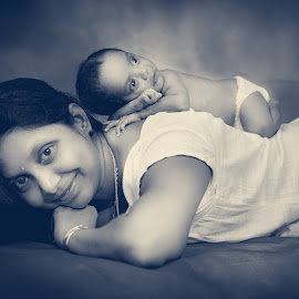 love by Shashi Patel - Black & White Portraits & People ( shashiclicks, maternity, newborn photography, black and white, shashi patel, kids )