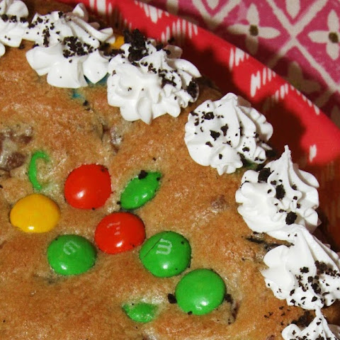 Candy Lovers Chocolate Filled Cookie Cake