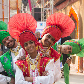 Punjab Culture by Nazneen Santosh - People Musicians & Entertainers ( indian danceer, dancers of punjab, kids as entertainer, bhangara )