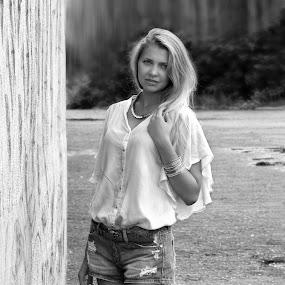 Rita by Sergey Kuznetsov - Black & White Portraits & People ( beauty, model, blonde, girl, posing )