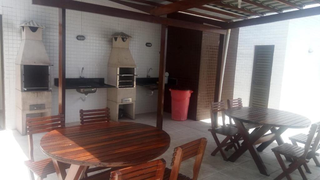 Apartamento com 2 dormitórios à venda, 65 m² por R$ 235.000,00 - Intermares - Cabedelo/PB