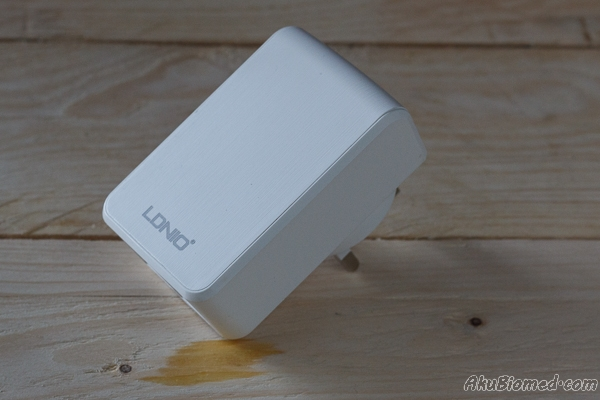 Ldnio travel charger