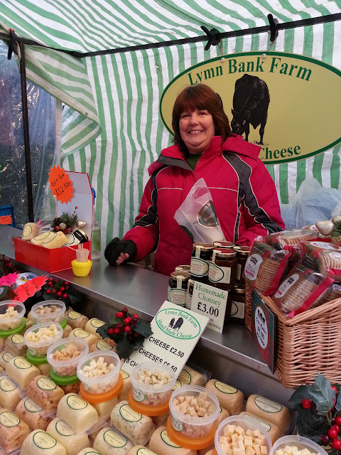 Deepdale Christmas Market 2017, Dalegate Market, Main Road, Burnham Deepdale, North Norfolk Coast, PE31 8FB | Stock up on all those Christmas decorations and presents at the Deepdale Christmas Market, while enjoying plenty of festive cheer and carols. | christmas market, festive cheer, presents, decorations, dalegate market, saturday, sunday, north norfolk coast, toys, gifts, jewellery, traditional, accessories, wines, meads, clothing, carols, food, drink