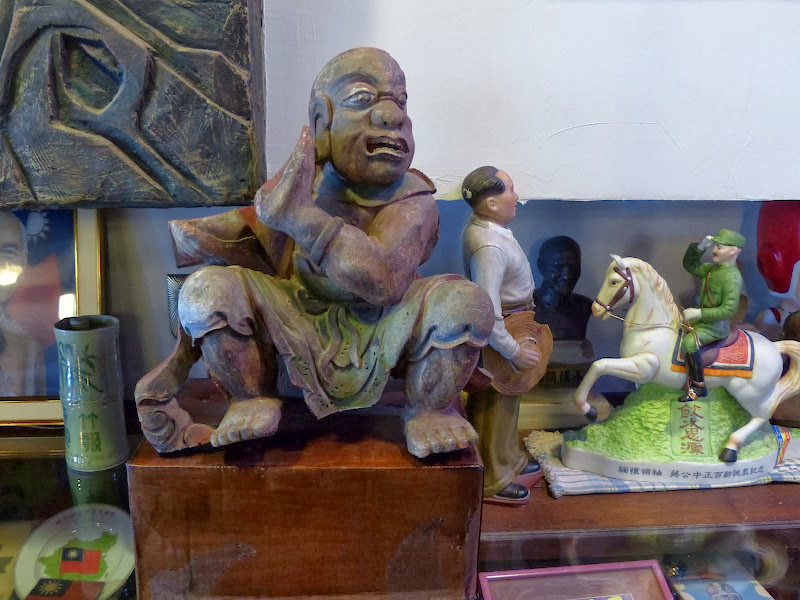 Taipei. Formosa Vintage Museum Cafe - P1030823.JPG