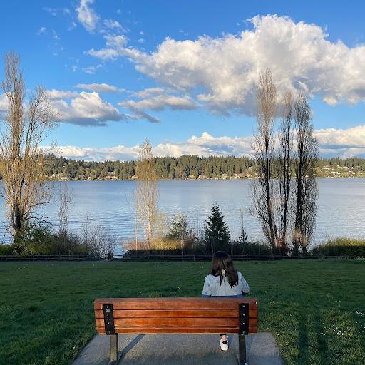 Esther Yuwono's avatar