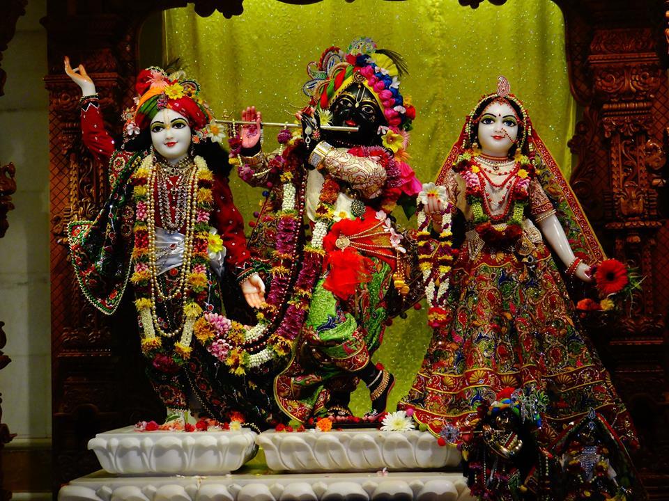 ISKCON GEV Deity Darshan 20 Jan 2017 (1)