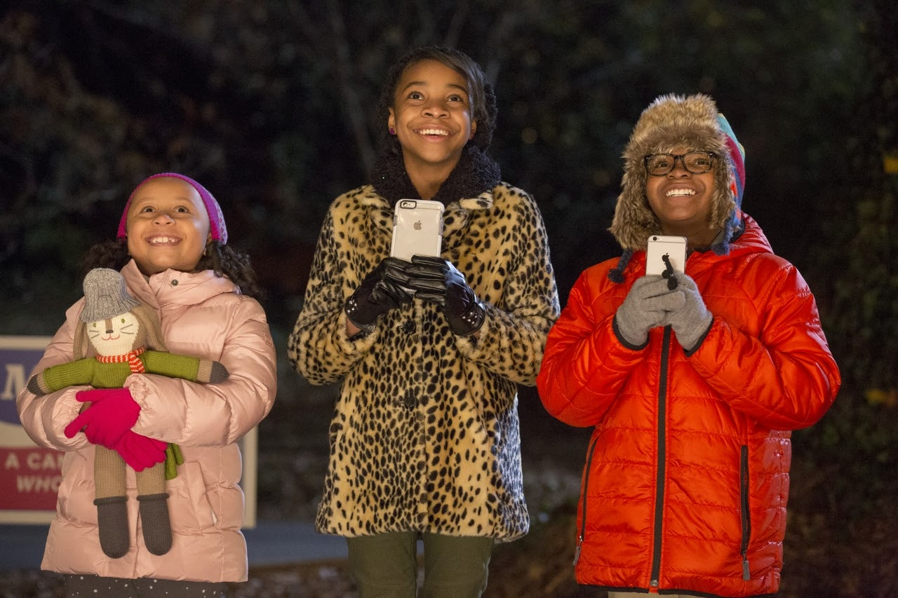 (L to R) Marley Taylor, Nadej Bailey and Alkoya Brunson in ALMOST CHRISTMAS. (Photo by Quantrell D. Colbert / courtesy of Universal Pictures).