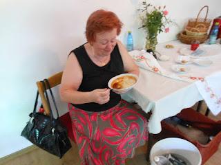Majka Rybecká si pochutila na guláši