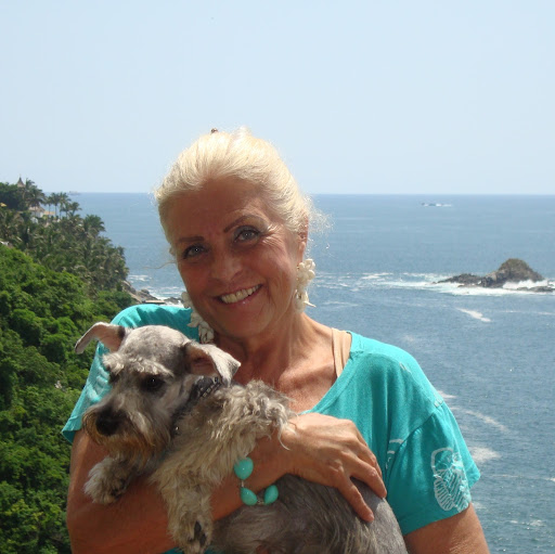 Sandra Cruise Photo 9