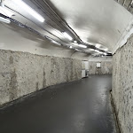 Station métro Porte des Lilas : couloir et parois