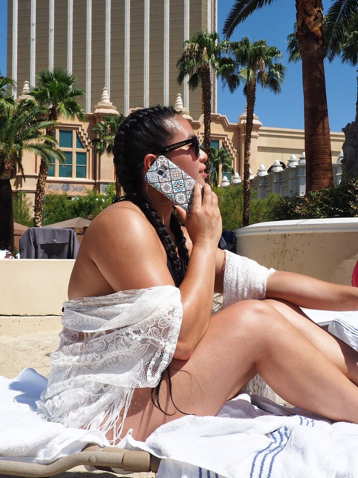 las vegas mandalay bay white crochet braids ootd phone case