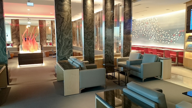 REVIEW – Air Canada : Maple Leaf Business Class Lounge, Frankfurt