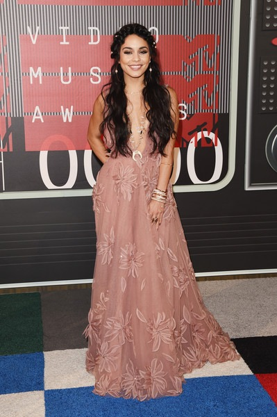 Vanessa Hudgens attends the 2015 MTV Video Music Awards