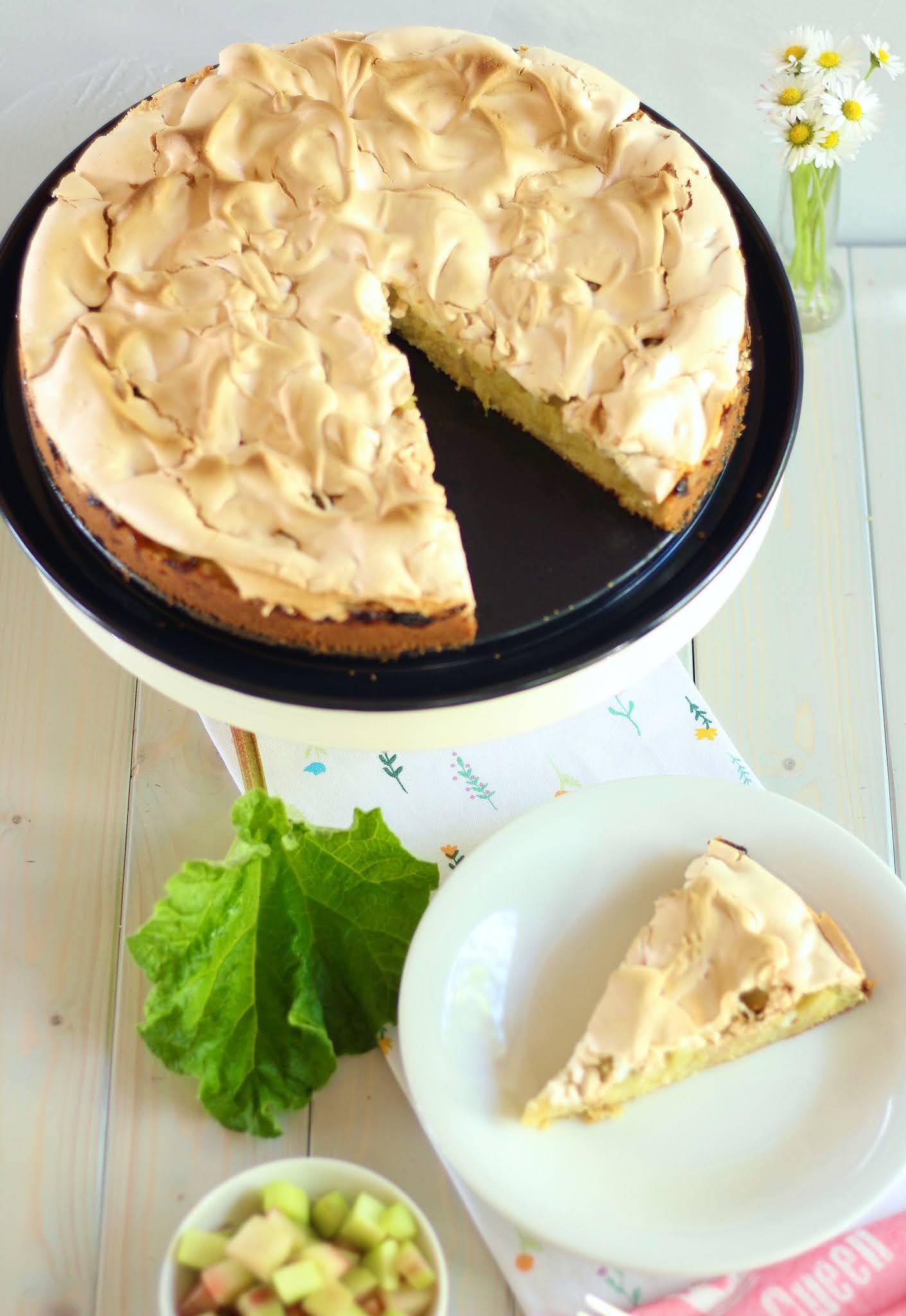 Einfacher, schneller Rhabarber-Baiser-Kuchen! 😍 Der beste Klassiker! 😍 | Rezept und Video von Sugarprincess 🍰🎂