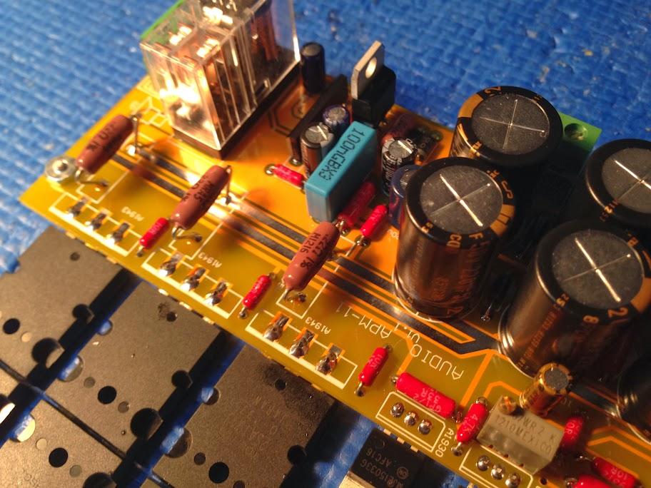 Amplificateur de type CFA avec sortie bipolaire 2SC5200/2SA1943 2013-11-18%252021.12.36