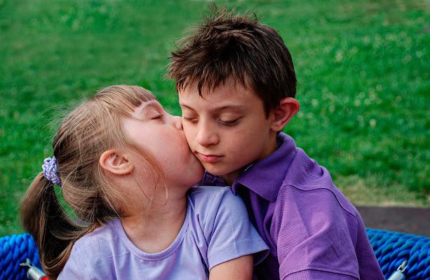 Un tenero, innocente bacio di BBB
