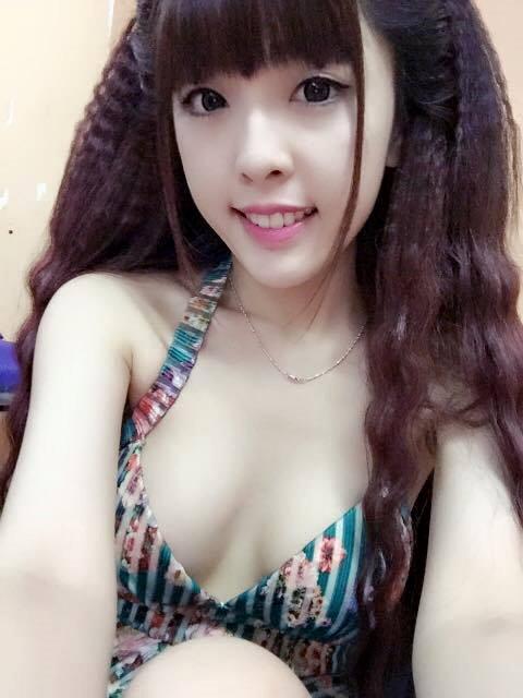 Hot girl Nhi Gia Trân