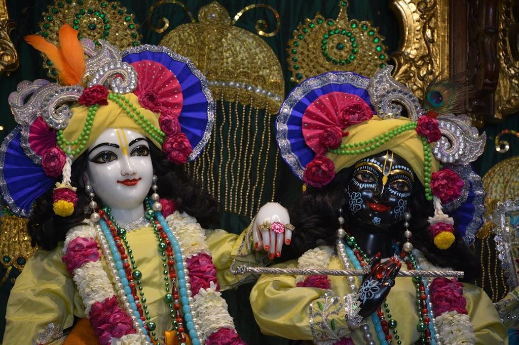 ISKCON Ujjain Deity Darshan 14 Dec 2015 (6)