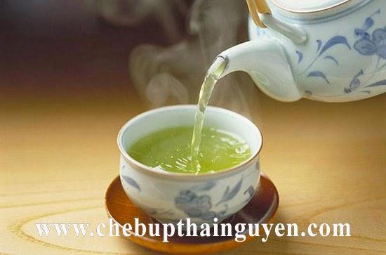 Chè Thái Nguyên chính gốc nước xanh trong, chát dịu và ngọt hậu