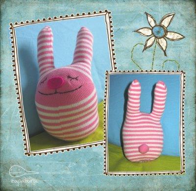Conejo o conejito de medias recicladas