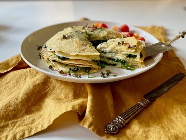 Crepes mit Spinat und Käse überbacken