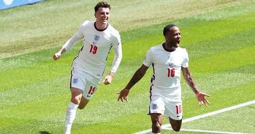 Southgate hits back at wrong England pundit, as he lauds Kane display