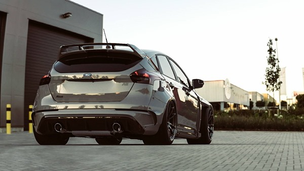 Ford Focus RS bodykit_rear