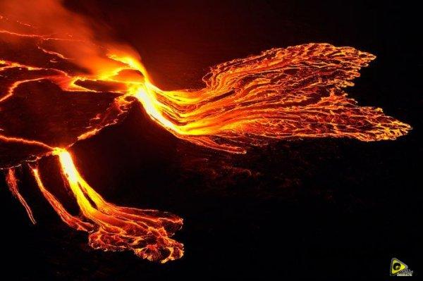 استكشافية لبركان نيراجونجو افريقيا 20.jpg