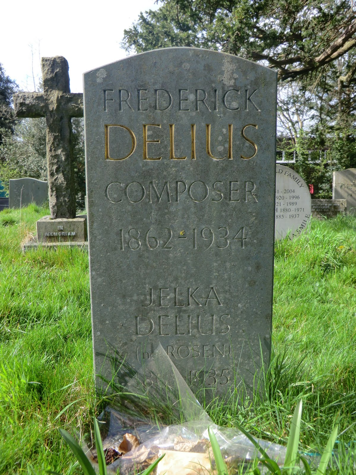 CIMG0325 Delius headstone, Limpsfield church