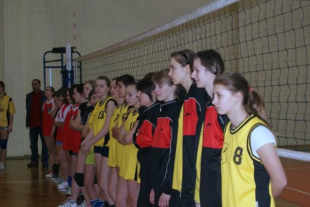 Zawody siatkarskie dziewczat 1 marca 2011 - DSC09282_1.JPG