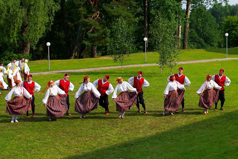 B-rühmade tantsupäevad Käärikul - cn37rqz5ktT7T7YDknmSs4wPnflqeZ3z0_XIz-8Vrs0.jpg