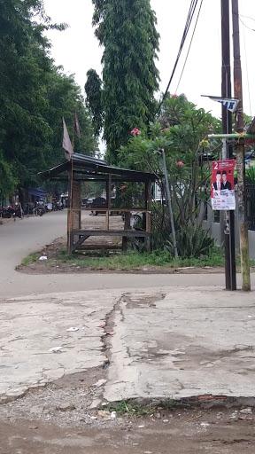 APK Pilgub Jabar Masih Terpasang di Karawang Barat