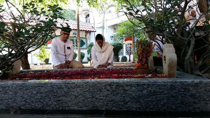 Ke Jombang, Menteri BUMN Launching Kartu Tani dan Ziarahi Makam Gus Dur
