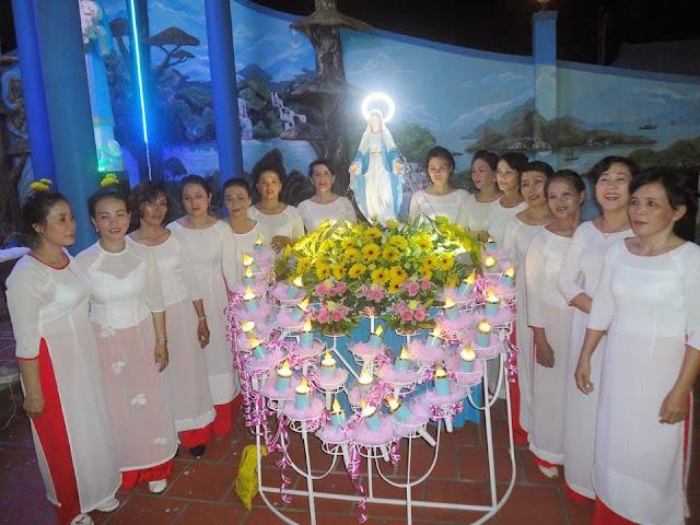 Giáo xứ Ba Ngòi: Ngàn hoa dâng Mẹ
