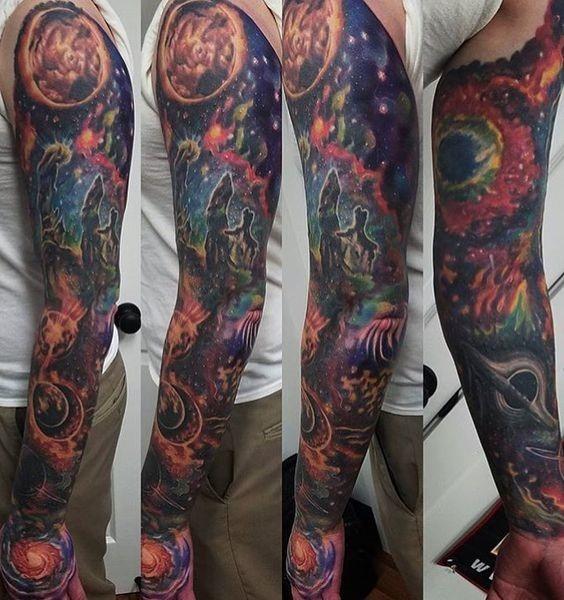 ultrajante_csmica_luva_cheia_de_tatuagem