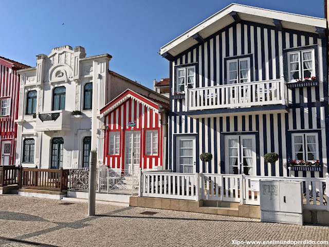 casa-colores-costa-nova-portugal.JPG