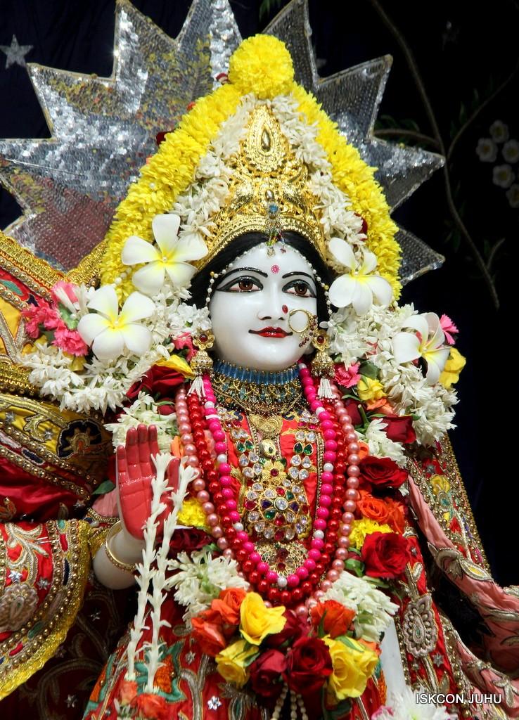 ISKCON Juhu Sringar Deity Darshan 22 Nov 2016 (41)