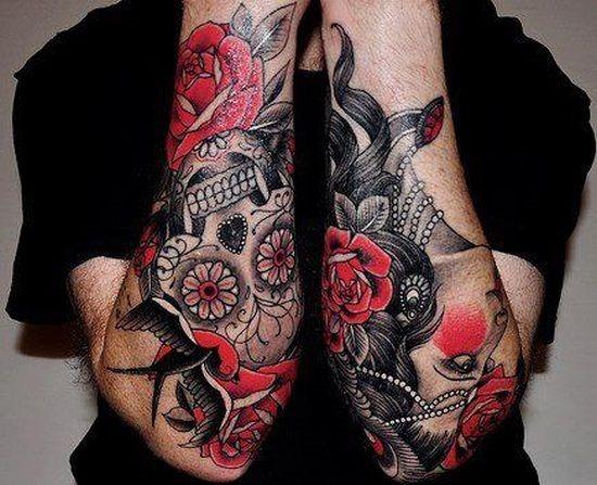 açcar_crnio_tatuagem_nos_braços_inferiores