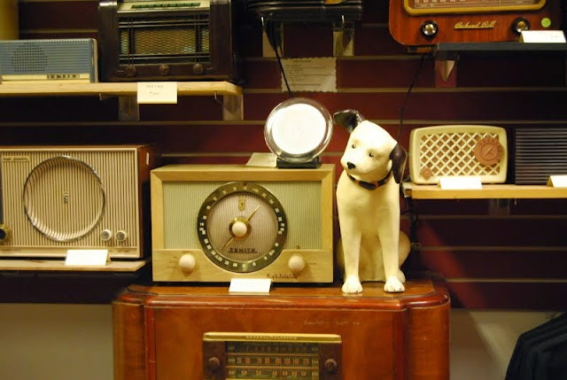 The vintage RCA Dog displayed at the American Museum of Radio and Electricity / Credit: Bellingham Whatcom County Tourism