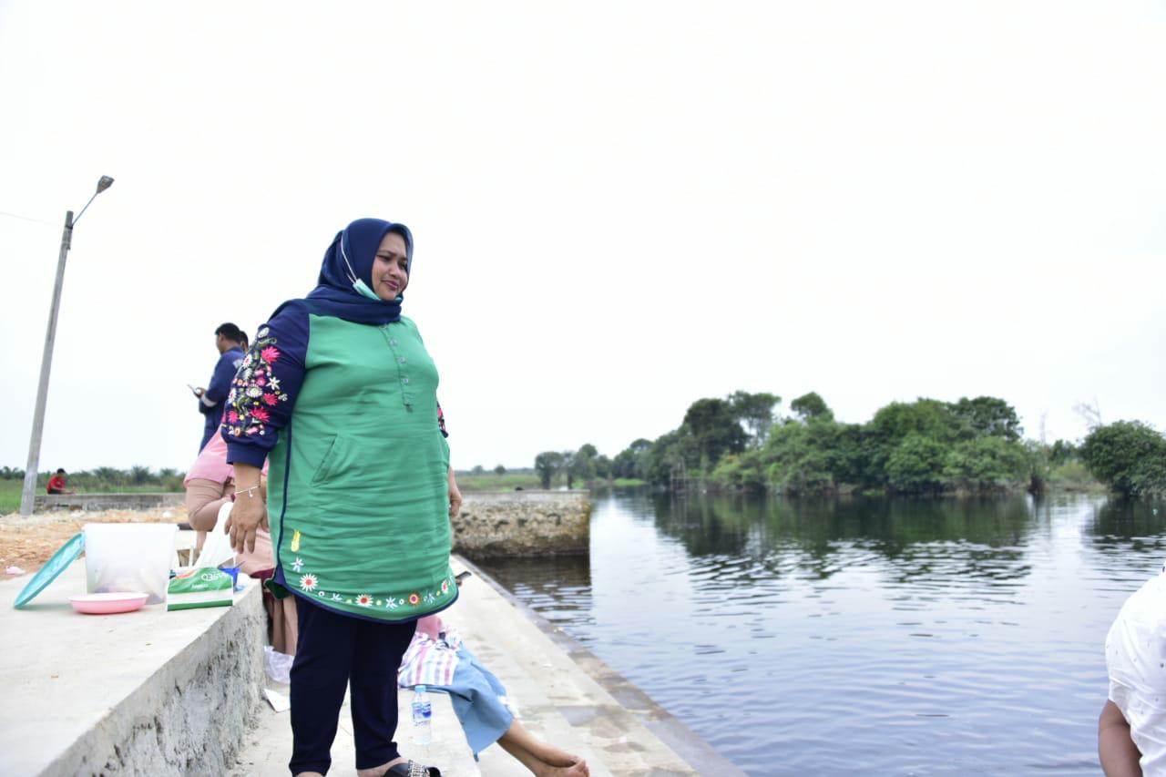 Perkenalkan Wisata Baru di Balai Pungut, Kasmarni Datangi Sungai