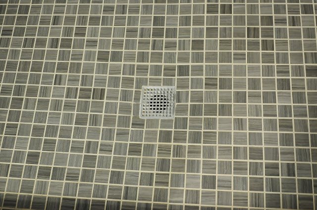 small bathroom shower tiles floor