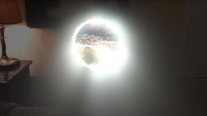 Controvérsia nas redes o homem abre um portal dimensional no seu quarto 02