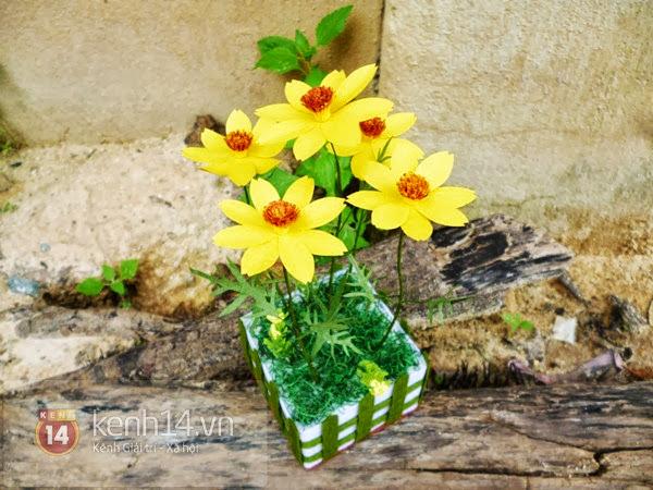 hoa+giay+9 Cách làm hoa trang trí đơn giản từ giấy