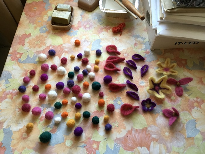 06 Felt Balls and Flowers - Wet Felted 22-10-18