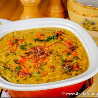 Methi Chicken Khichda (Savory Fenugreek Chicken Porridge).