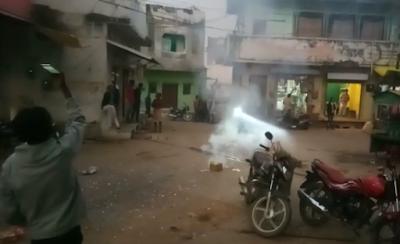 महेंद्र सिंह सिसोदिया को मंत्री बनने पर राज महिल खनियाधाना में चले पटाखे बांटी मिठाइयां